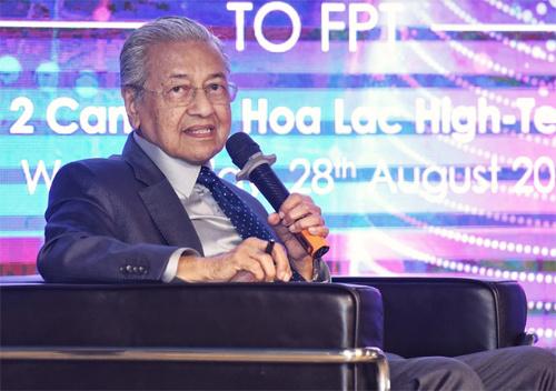 Thủ tướng Malaysia chia sẻ kinh nghiệm chuyển đổi số