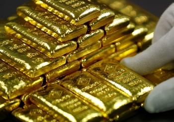 Giá vàng thế giới lại vượt 2.000 USD