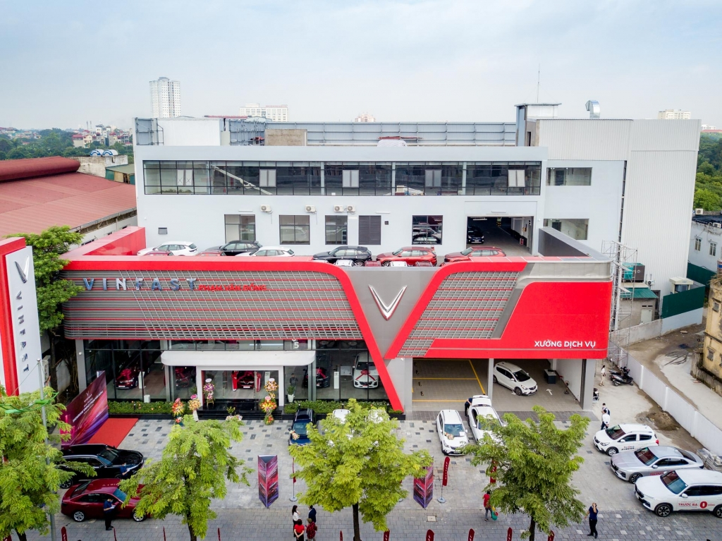 can canh showroom 3s lon nhat viet nam cua vinfast