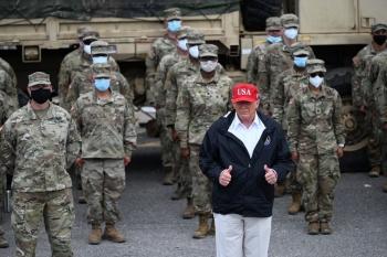 Bầu cử Mỹ: Ông Donald Trump được dự đoán thắng lớn