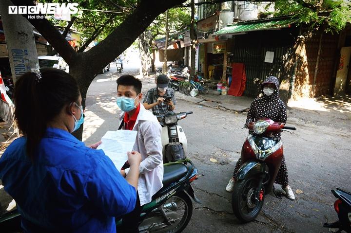 Ảnh: 50 chốt 'vùng xanh' phòng chống COVID-19 đầu tiên tại Hà Nội - 4