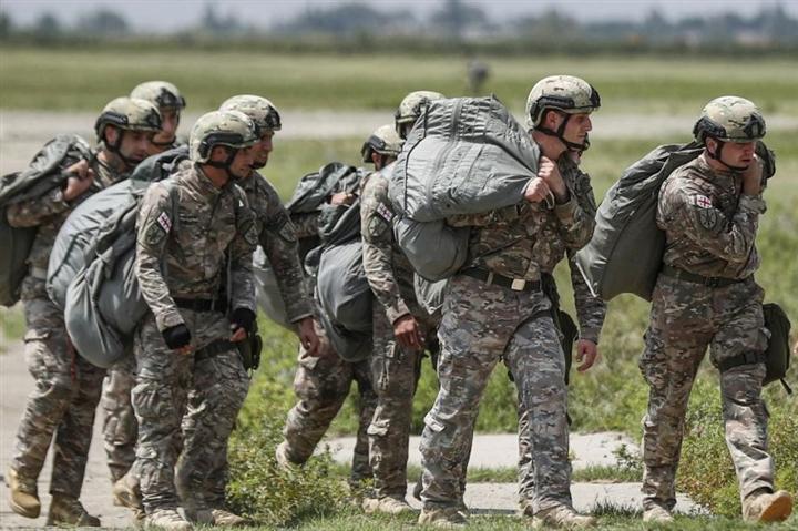 Bùng phát biến chủng Delta, quân đội Mỹ cân nhắc tiêm chủng bắt buộc cho binh sỹ - 1