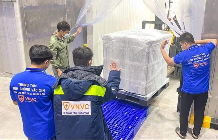 Thêm gần 600.000 liều vắc xin AstraZeneca đã về đến Việt Nam