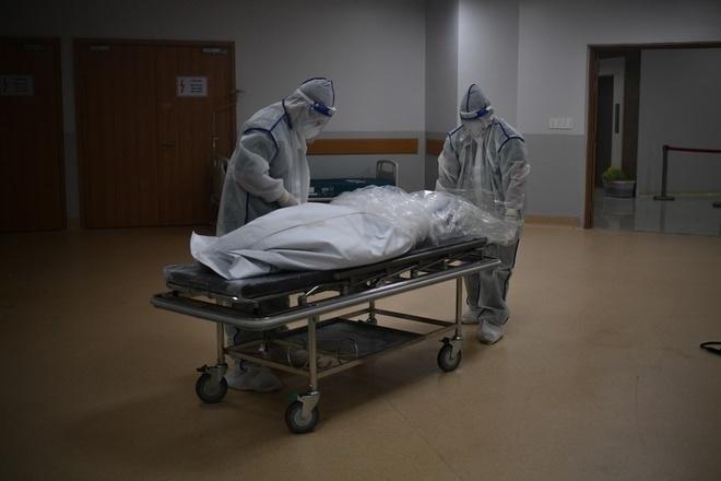 Bệnh nhân COVID-19 không may qua đời, thi thể được xử lý thế nào? - 1