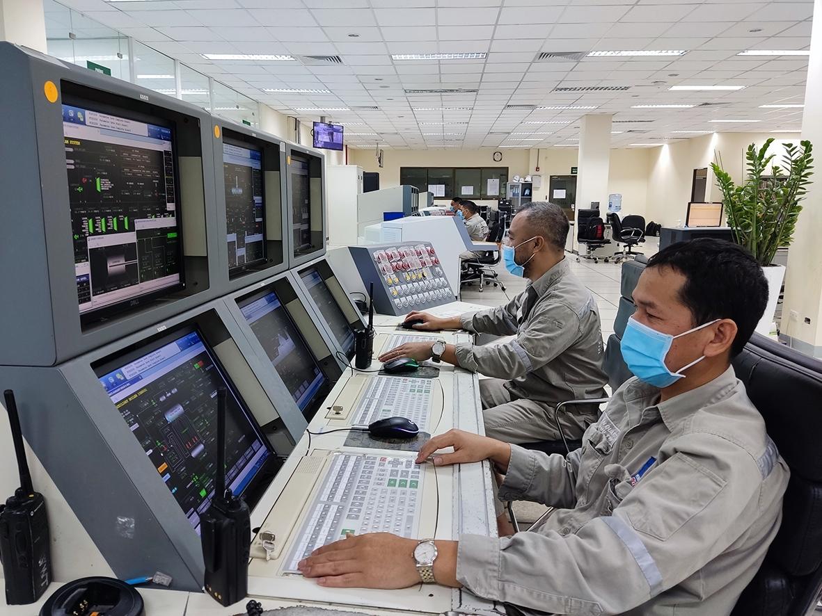 Các kỹ sư, chuyên gia PVFCCo luôn cố gắng vận hành Nhà máy Đạm Phú Mỹ an toàn, ổn định