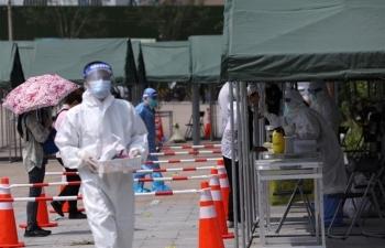 Trung Quốc ghi nhận 125 ca mắc COVID-19, loạt địa phương tức tốc xét nghiệm