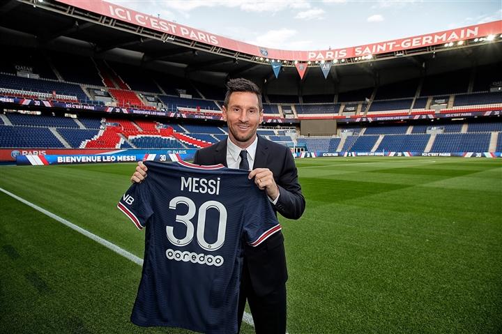 Hình ảnh đầu tiên Messi khoác áo PSG - 3