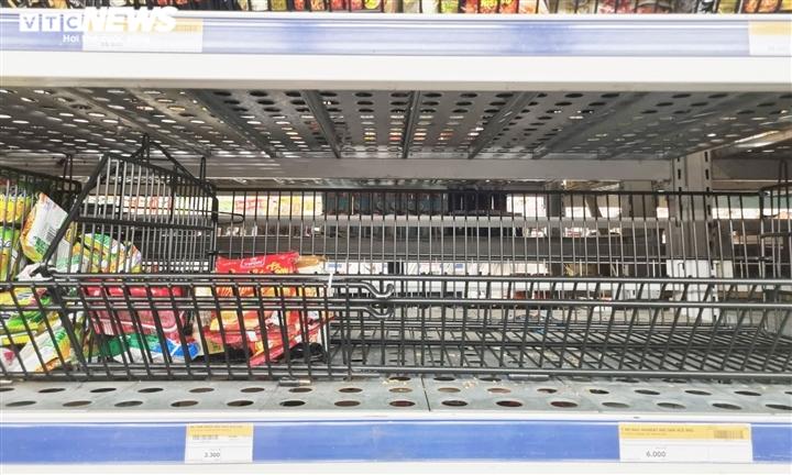 Đà Nẵng có thể phong tỏa 7 ngày, các siêu thị lại kín người mua hàng dự trữ - 7