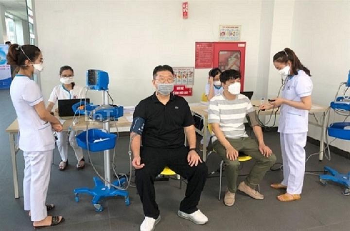 Hơn 110.000 công nhân tại Hải Phòng đăng ký tiêm vaccine Sinopharm - 1
