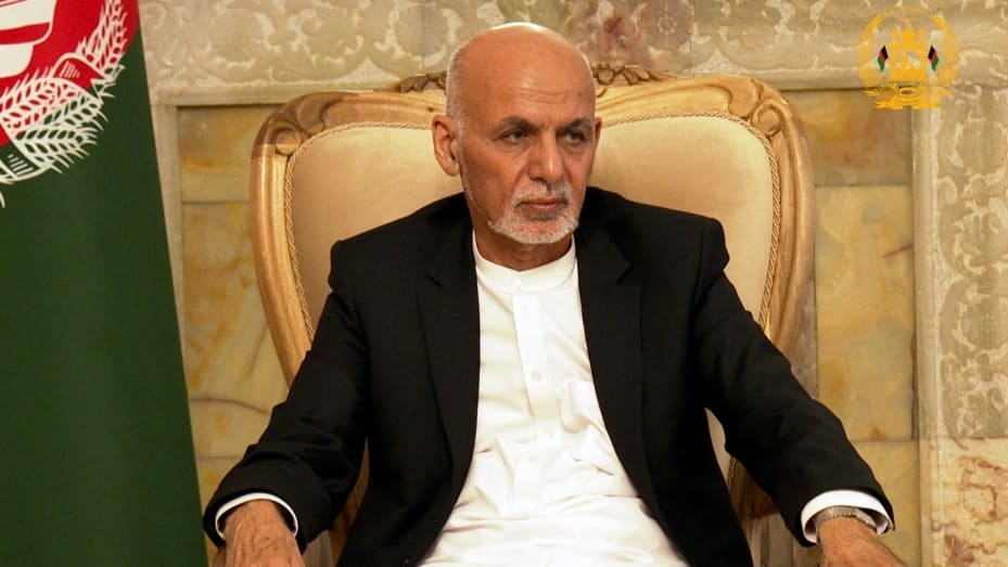 Tổng thống Afghanistan rời đất nước và tuyên bố Taliban thắng cuộc