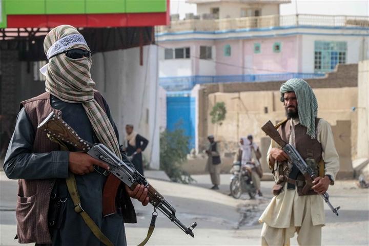 Hiểm họa khôn lường khi nhiều vũ khí tối tân của Mỹ rơi vào tay Taliban - 2