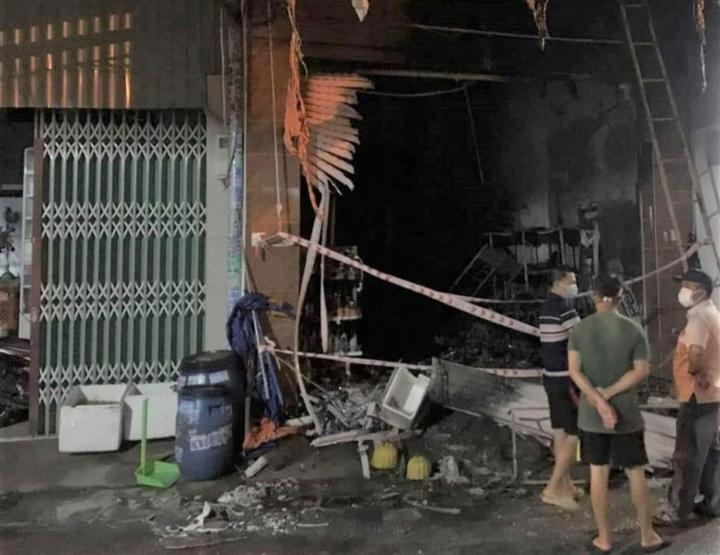 Vụ cháy ở Bình Dương: 5 người đã chết - 1