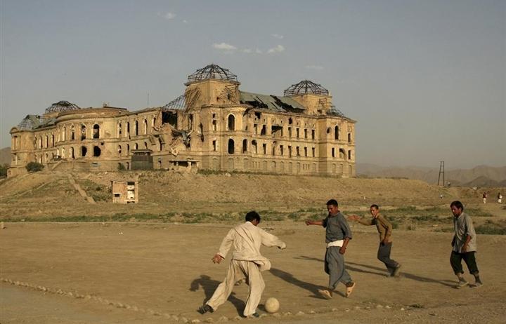 Cam kết tái thiết, Taliban muốn giữ lại thành tựu 20 năm của người Mỹ