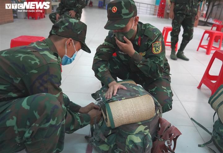 'Chúng tôi là người lính từ dân mà ra, giúp TP.HCM là mệnh lệnh từ trái tim' - 5