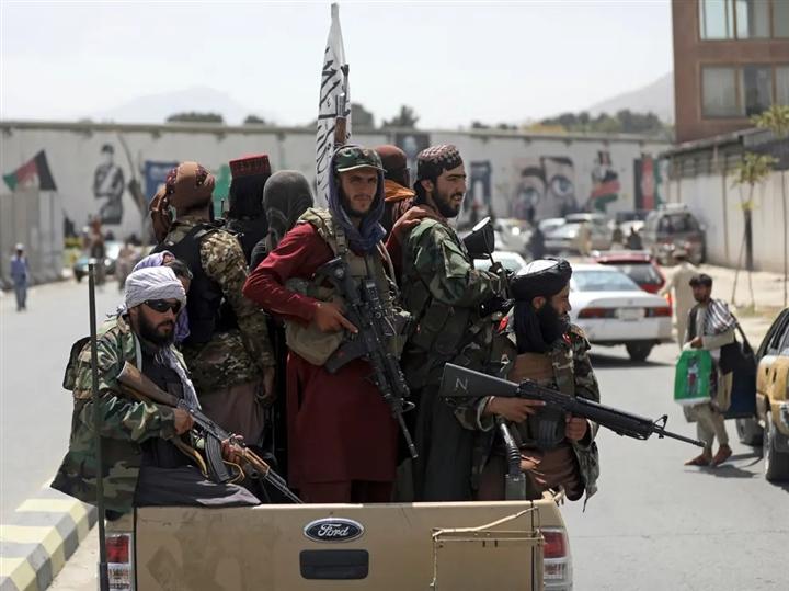 Taliban đánh dấu nhà của nhân viên Đại sứ quán Mỹ bằng sơn - 1