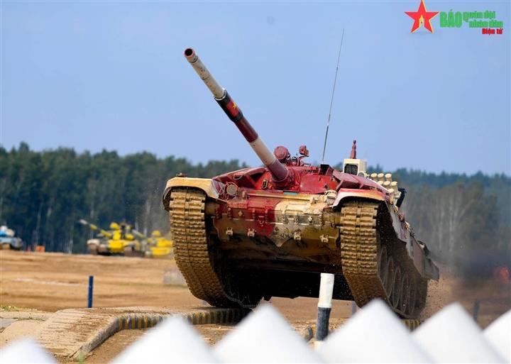 Tuyển Việt Nam không có biên chế xe tăng T-72 nhưng vẫn cực kỳ xuất sắc - 4