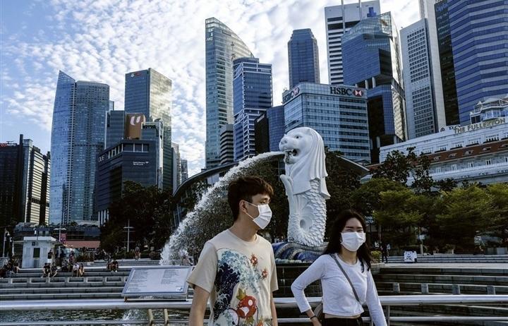 Singapore tăng tỷ lệ tiêm vaccine COVID-19 từ 31% lên 80% trong 3 tháng thế nào?