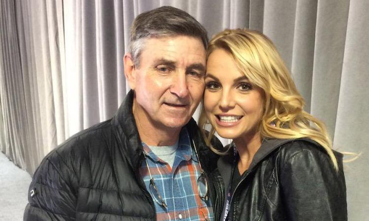 Cha Britney Spears xin bỏ quyền giám hộ con gái