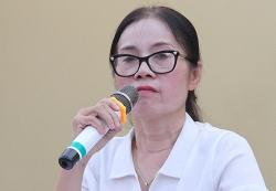 hieu truong xin loi vi suat com ban tru it thuc an