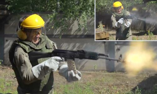 Súng AK xả liên tục gần 600 viên đạn