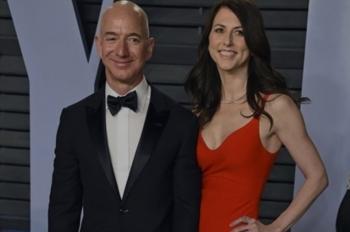 Vợ cũ của tỉ phú Jeff Bezos thành người phụ nữ giàu nhất thế giới