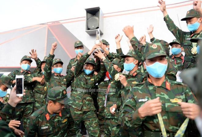 tang viet nam vo dich army games 2020 phia sau vinh quang la mo hoi nuoc mat