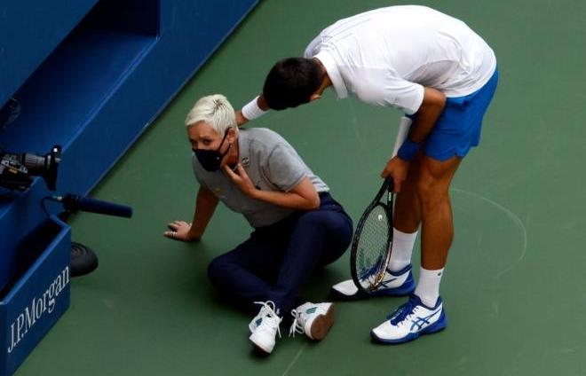 Djokovic bị loại ở US Open: Nạn nhân của 1 âm mưu hay trả giá cho sự ngạo mạn?