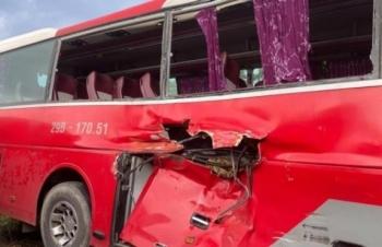 Tàu hỏa húc văng xe đưa đón học sinh: Sức khỏe 6 nạn nhân đi cấp cứu ra sao?