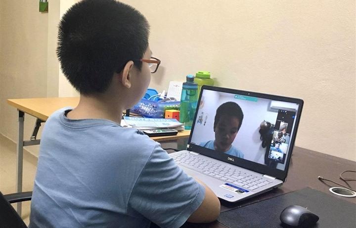 Học sinh lớp 1 ở Hà Nội học online từ ngày 13/9, tối đa 3 tiết mỗi ngày