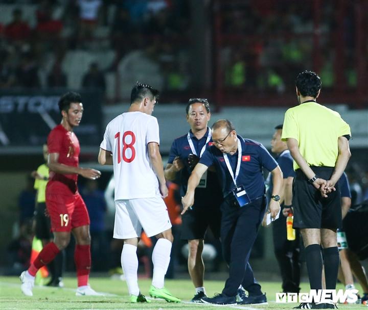 Đấu siêu cường bóng đá châu Á, HLV Park Hang Seo chờ Tiến Linh toả sáng - 2