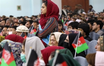 Phụ nữ Afghanistan đốt quần jean, chấp nhận sự cai trị của Taliban