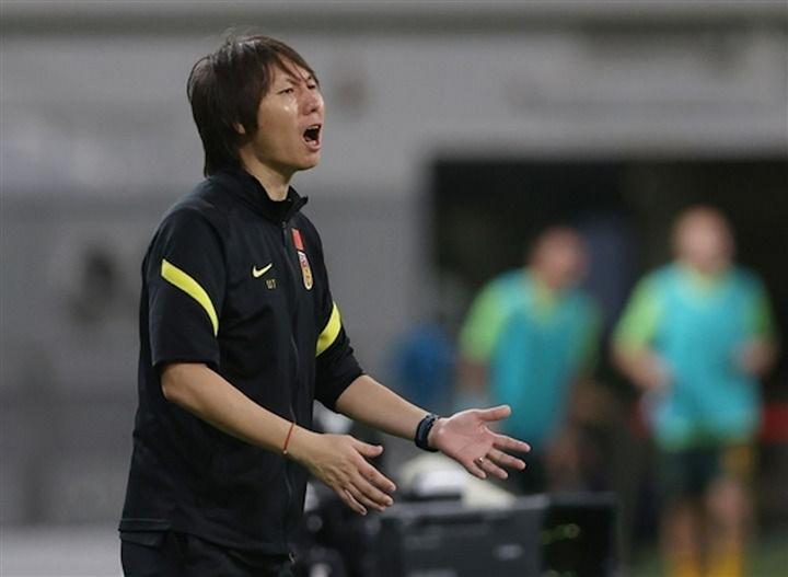HLV Trung Quốc bị chỉ trích vì bỏ rơi cầu thủ nhập tịch - 2