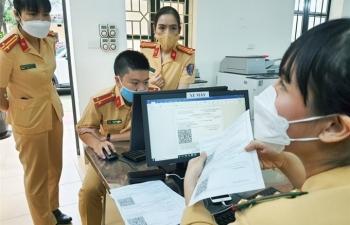 Những khó khăn trong việc cấp giấy đi đường mẫu mới của Hà Nội