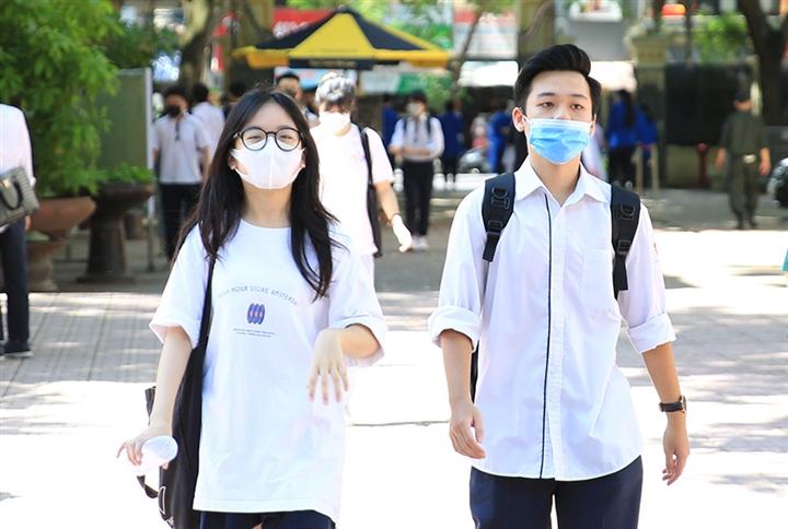 Hơn 13.800 học sinh, sinh viên, giáo viên mắc COVID-19 - 1