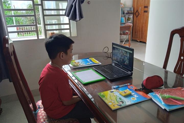 'Lớp 1 học trực truyến, giáo viên chỉ nên dạy Tiếng Việt và Toán' - 1