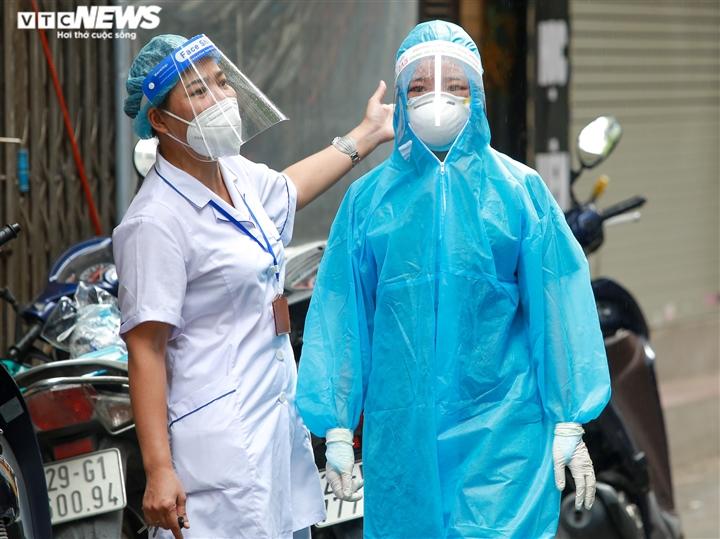 Ảnh: Hà Nội phong tỏa khu dân cư 800 người sau khi phát hiện 4 ca mắc COVID-19 - 5