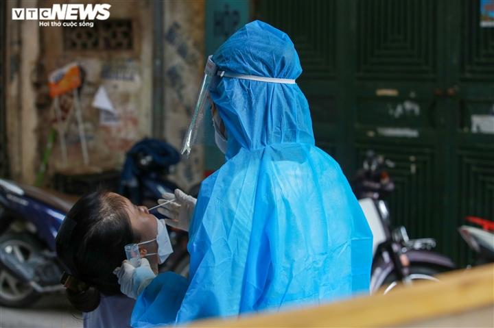 Ảnh: Hà Nội phong tỏa khu dân cư 800 người sau khi phát hiện 4 ca mắc COVID-19 - 8