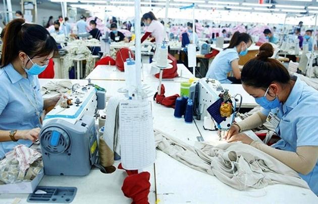Chuyên gia: Cần mở cửa lại nền kinh tế để lo sinh kế cho dân, doanh nghiệp