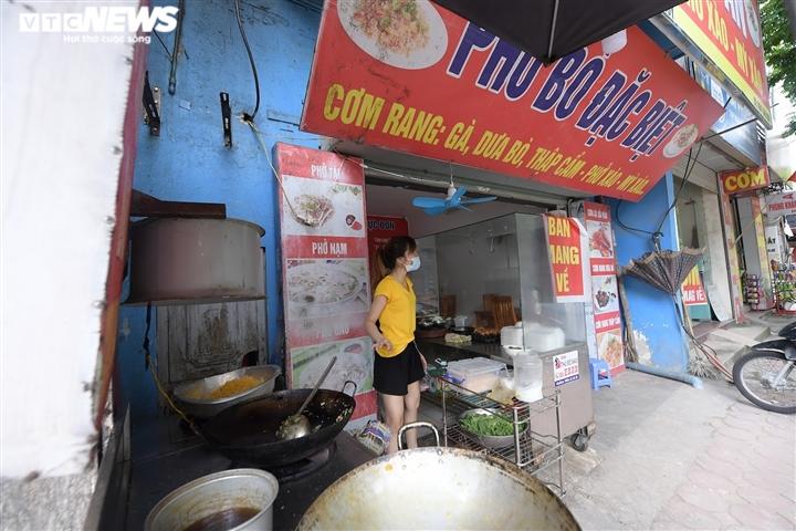 Hàng quán 'vùng xanh' Hà Nội háo hức chờ ngày được bán 'bình thường mới' - 5