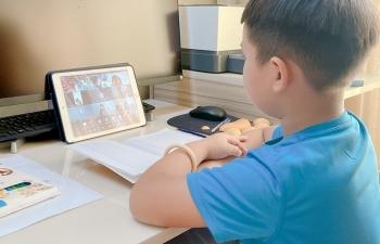 """Học trực tuyến: """"Đăng nhập vào được lớp học thì cô giáo chào tạm biệt rồi"""""""