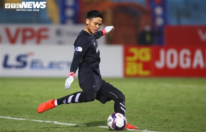 HLV Park Hang Seo gọi bổ sung thủ môn Nguyên Mạnh lên tuyển Việt Nam
