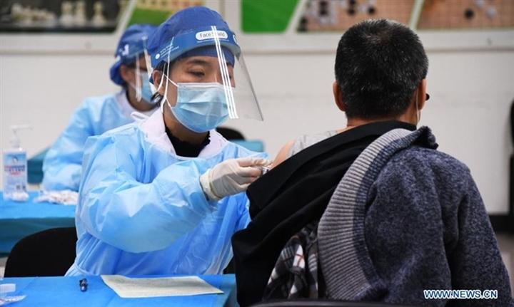 Hơn 1 tỷ người tiêm xong vaccine, ổ dịch mới tiếp tục lan rộng ở Trung Quốc - 1