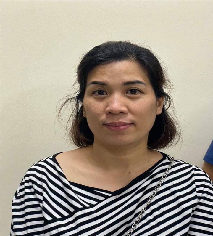 Khởi tố nữ kế toán làm giả giấy đi đường, đưa người từ Hà Nội về Nghệ An - 1