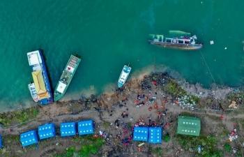 Lật tàu chờ học sinh ở Trung Quốc, ít nhất 9 người thiệt mạng