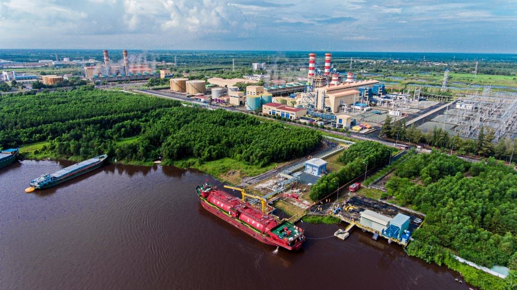 Cụm công nghiệp khí-điện-đạm Cà Mau