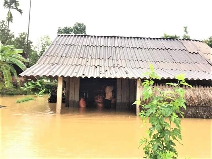Mưa lớn khiến nhiều tỉnh ở Miền Trung bị ngập cục bộ - 2