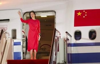 Chuyến bay đưa bà Mạnh Vãn Chu về nước có