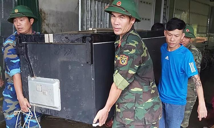 Dân thành Vinh thiệt hại nặng sau ngập lụt