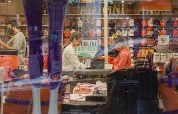 Tương lai bấp bênh của mùa mua sắm cuối năm tại Mỹ