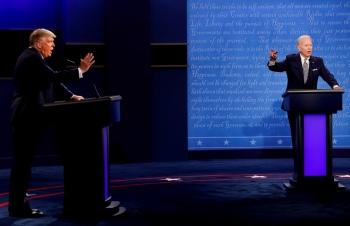 Mất đi những cử tri trung thành, Tổng thống Trump sẽ dùng chiến thuật gì trong cuộc tranh luận cuối cùng?
